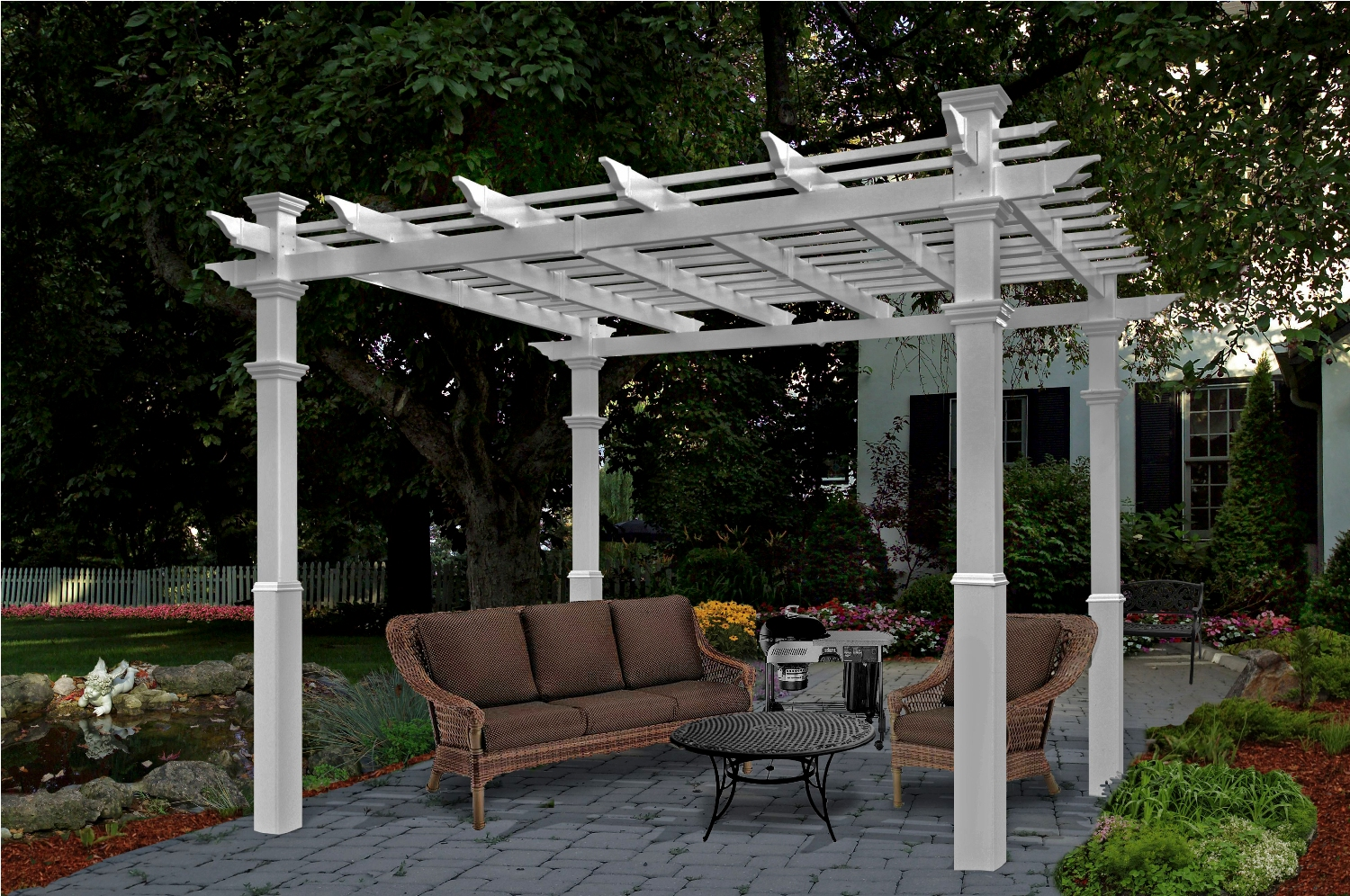 Luxor Custom Pergola - Chadsworth's Advanced Cellular Vinyl ...